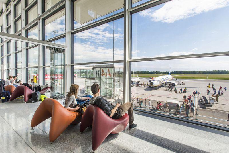 Wakacje po wakacjach – zwrocławskim lotniskiem