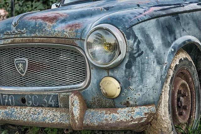 Sprzedaż starego auta a autokasacja
