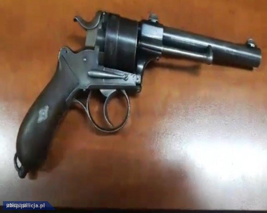 CBŚP zlikwidowało duże arsenały broni iamunicji