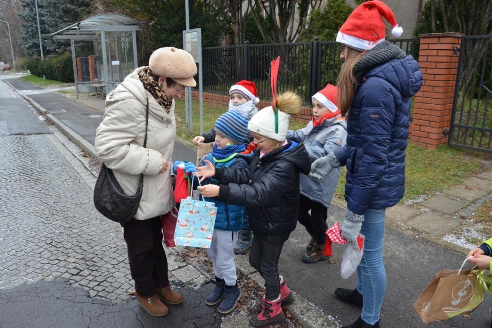 Mali Mikołaje opanują południową część miasta