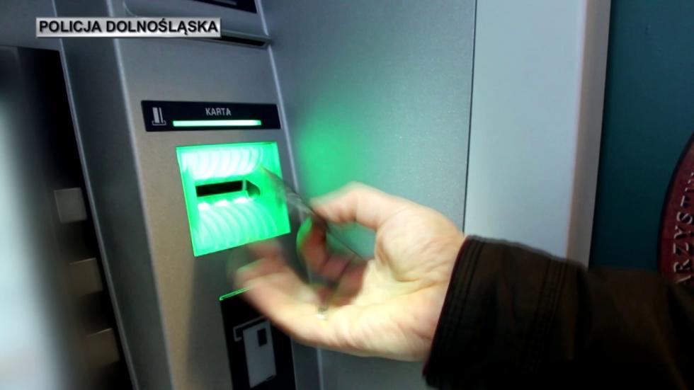 Areszt dla podejrzanego okradzież pieniędzy zbankomatów