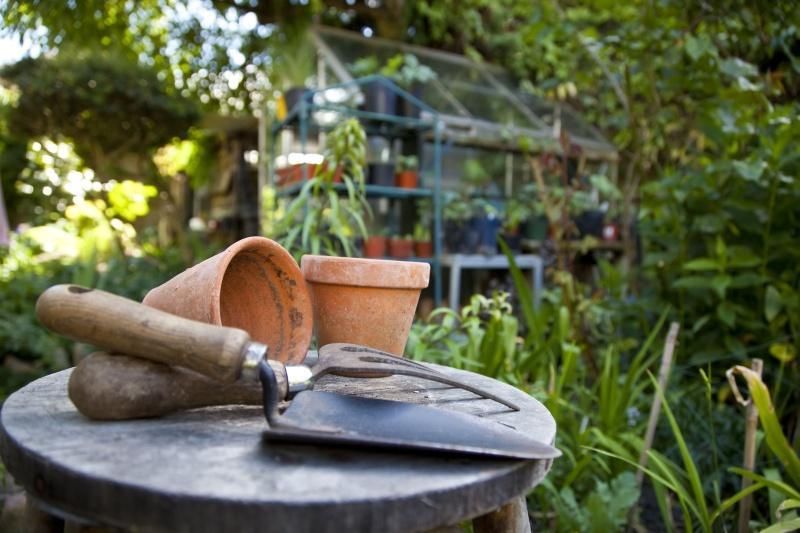 Do czego służą skrzynie ogrodowe?