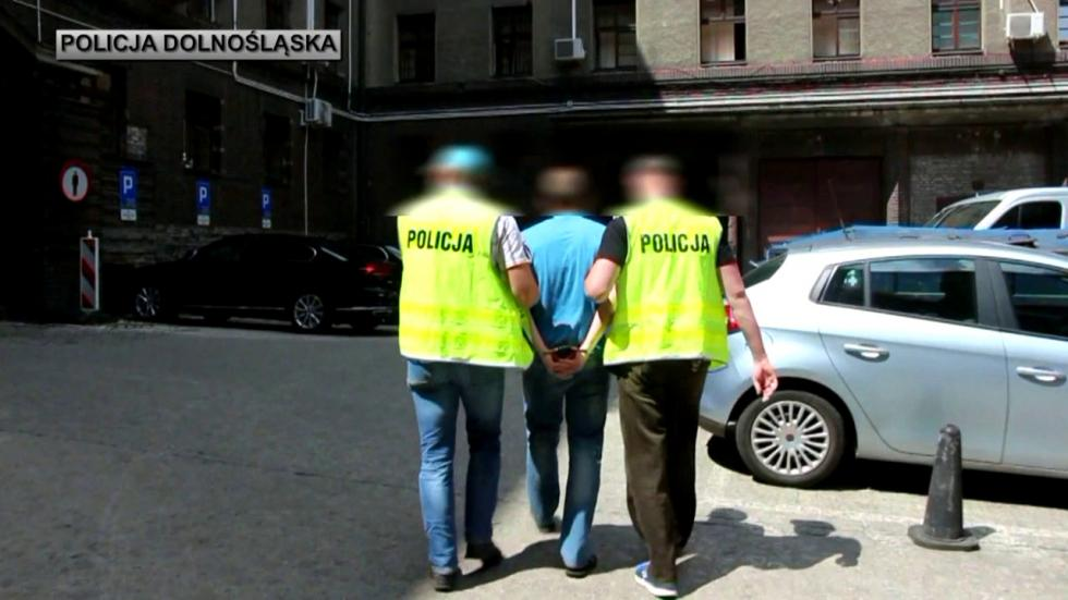 """Areszty dla 5 podejrzanych ooszustwo metodą """"na policjanta"""""""
