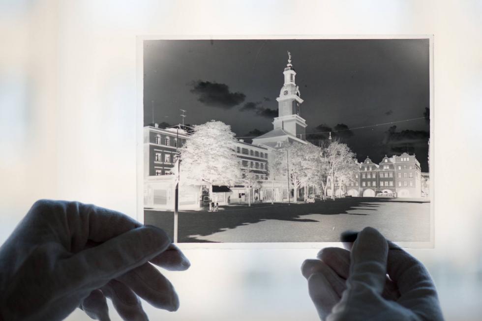 Wielka digitalizacja. Projekt PWr ocali prawie 40 tys. zdjęć