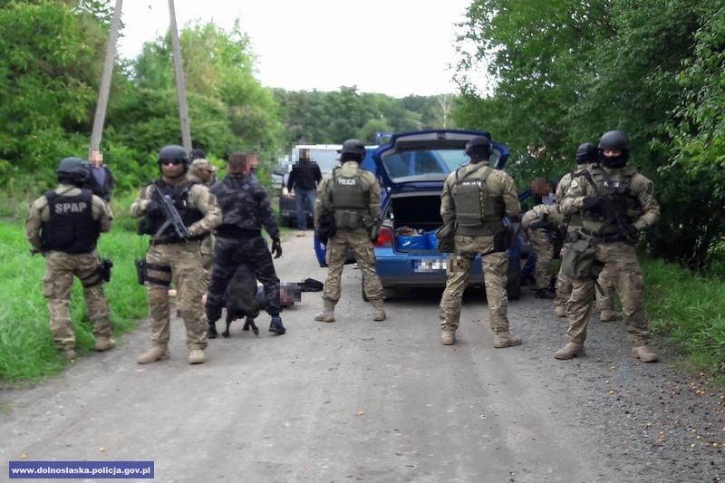 Uderzenie wzorganizowaną grupę przestępczą