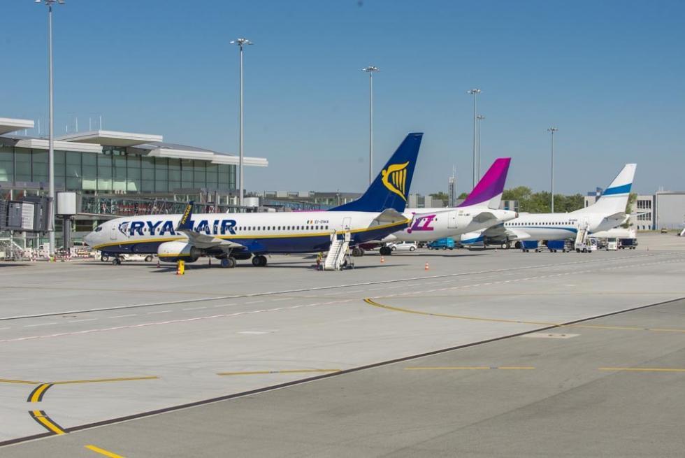 Wypełnione samoloty na wrocławskim lotnisku
