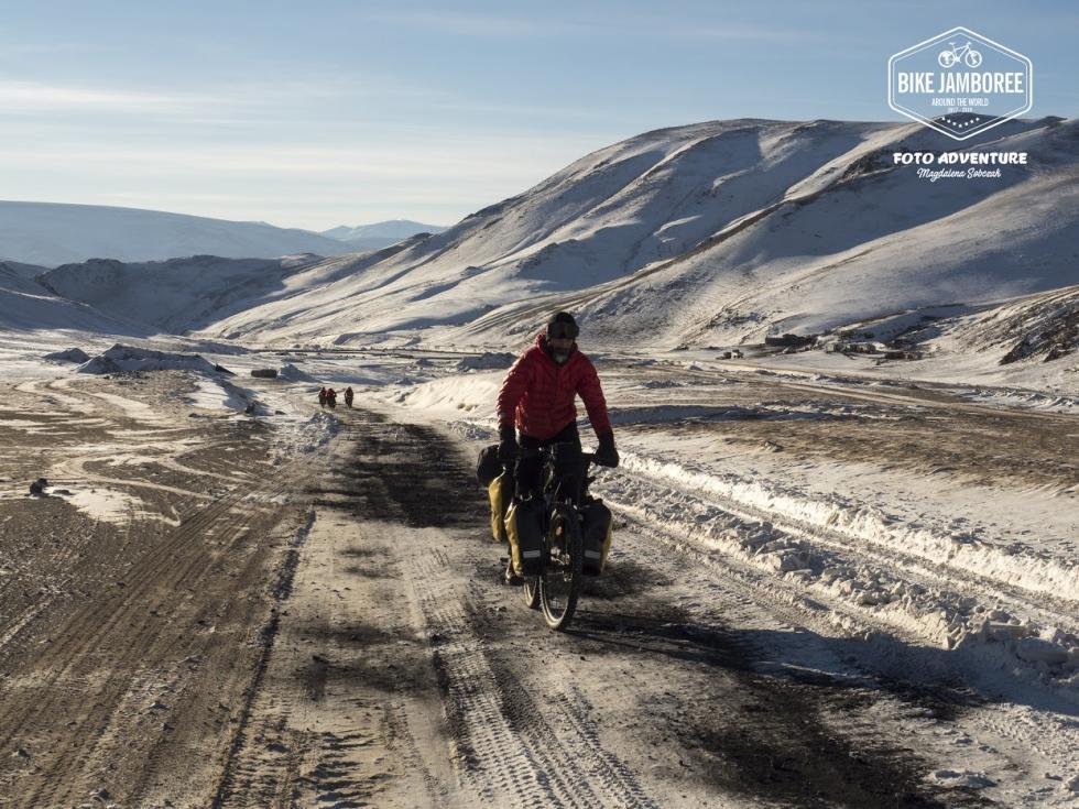 Jadą na rowerach dookoła świata, by promować braterstwo. Tak działa zew przygody – zobacz zdjęcia