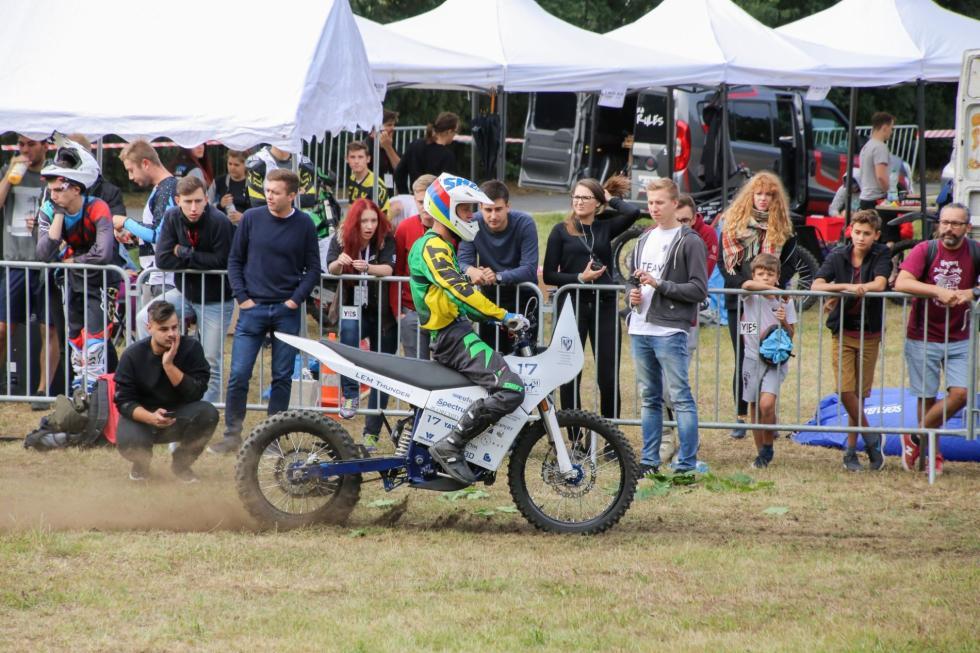 Elektryczny motocykl PWr najlepszy na SmartMoto Challenge
