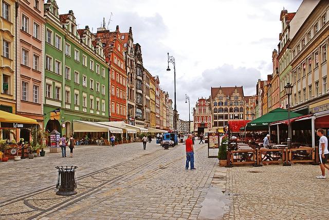 5 miejsc wokolicach Rynku Wrocławskiego, które warto odwiedzić zprzyjaciółmi