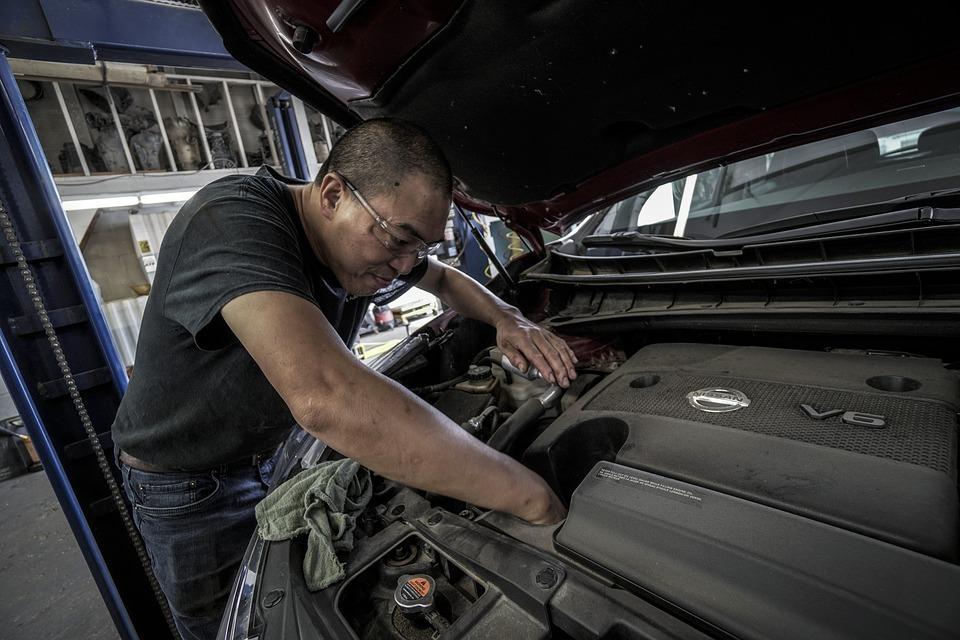 Co powinno wykonywać się podczas kompleksowego przeglądu auta?