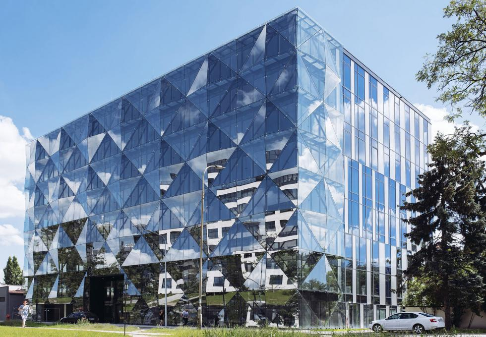 Wrocławski architektoniczny diament zmienia właściciela