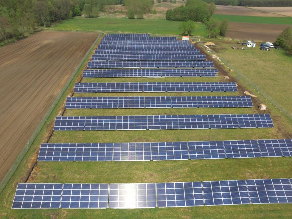 Elektrownia słoneczna zdwoma tysiącami paneli powstała wgminie Prusice