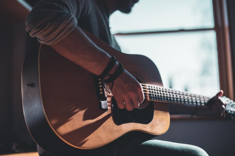 Jak samemu opanować chwyty gitarowe? 3 rzeczy ważne na początku
