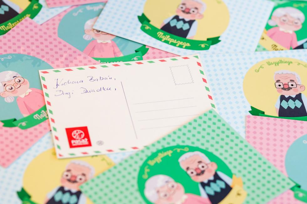 """Dzień Babci iDziadka """"nie doopisania"""" wPasażu Grunwaldzkim – czyli wysyłanie bezpłatnych pocztówek"""