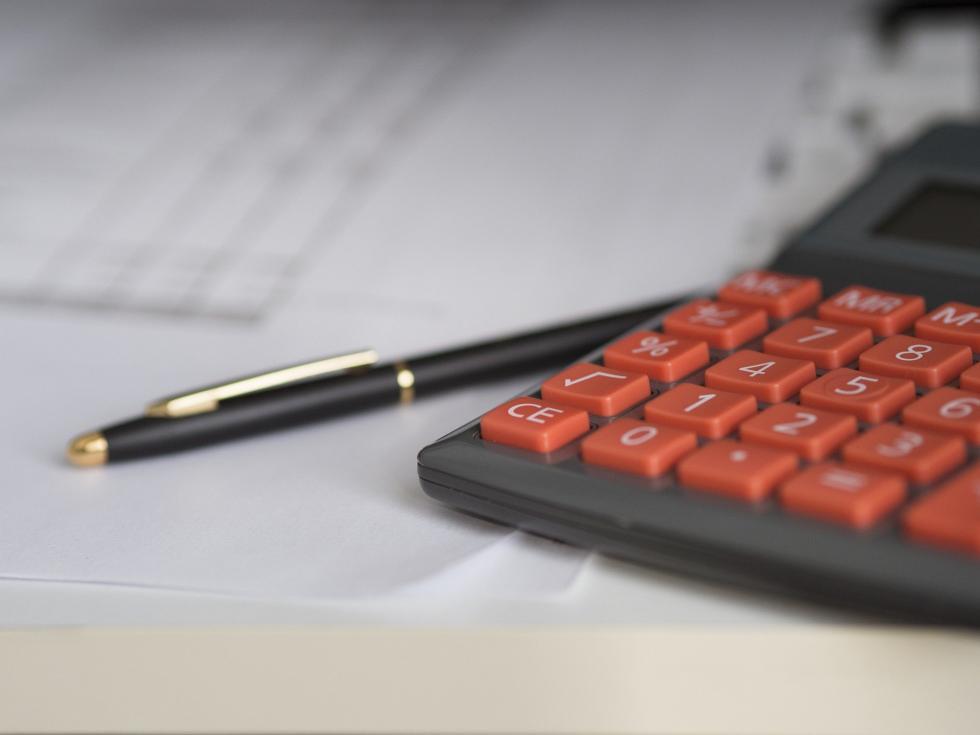 Kredyt konsolidacyjny bez wychodzenia zdomu - gdzie szukać ofert