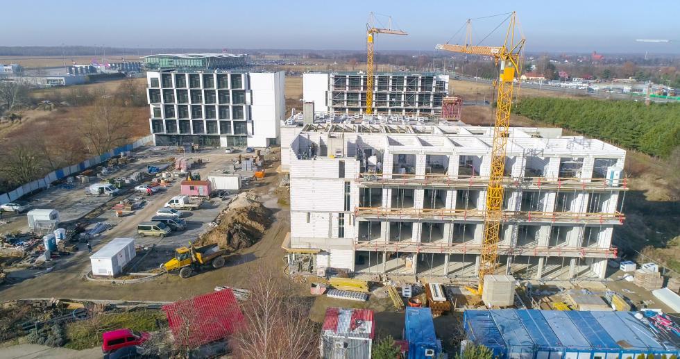 Trwa budowa kolejnych mikroapartamentów przy lotnisku