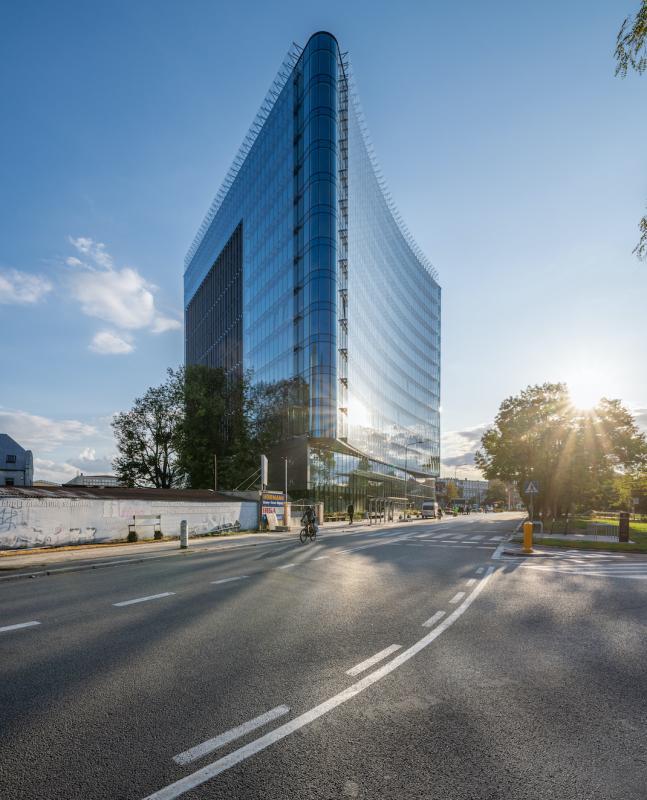 Carbon Tower wsystemach ALUPROF – nowa ikona biznesowej dzielnicy Wrocławia