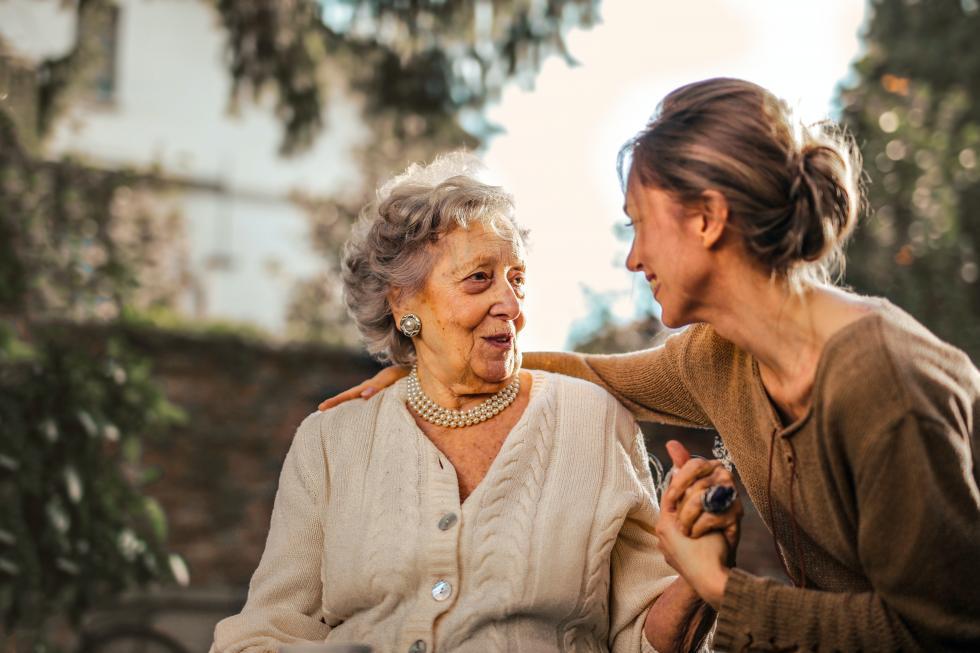 Prywatny dom opieki – jakie ma zalety?