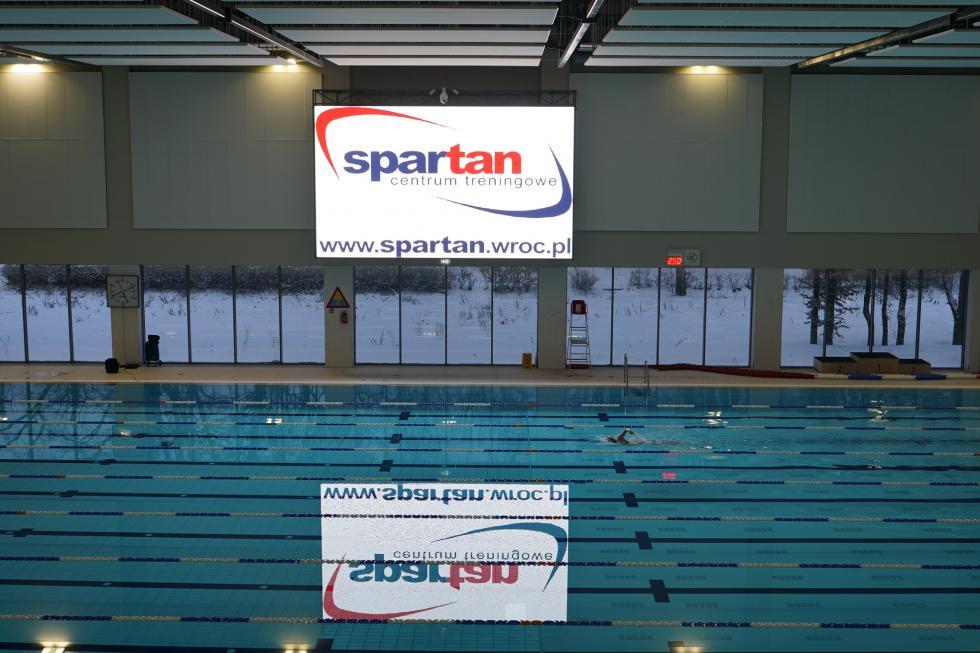 Spartan otwiera pływalnię ikorty
