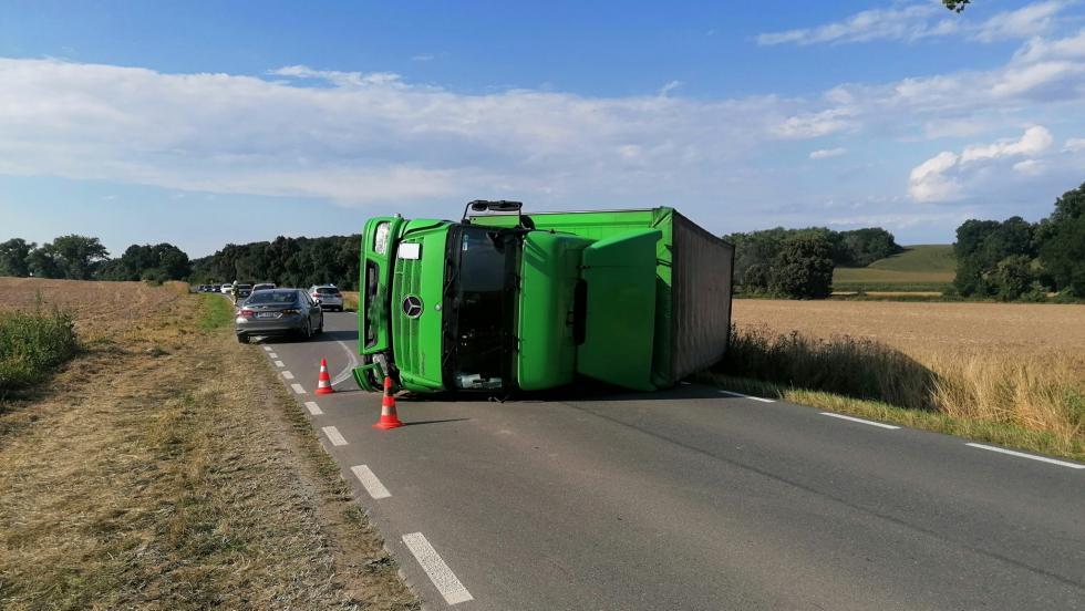 Wiatr przyczyną wypadku